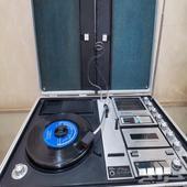 مشغل اسطوانات وكاسيت وراديو Sanyo صنع 1972م