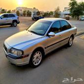 سيارة فولفو نظيفة للمستخدم بسعر مناسب