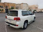 لاندكروزر 8سلندر 2016  GXR.3 فل كامل سعودي