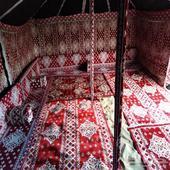 تجهيز مخيمات خيام بيوت شعر دورات مياه غرف خشب