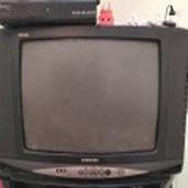 تلفزيون سامسونج وسرير كبير بمرتبه 4 فرد