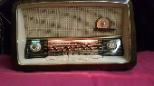 راديو الماني قديم مميز وشغال وبحالة ممتازة