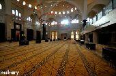 nلك مني 1000ريال إذا لقيت لي شقة مقابل مسجد
