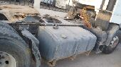 شاحنتين رينو للبيع مع سطحة وقير مان ومعدات