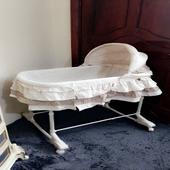 سرير اطفال شبه جديد