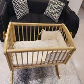 سرير طفل مولود هزاز خشبي