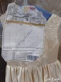 فستان زواج لطفله للبيع العمر 4.و5سنوات