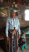 عامل متواجد في اليمن حالين