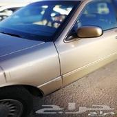 السيارة فورد جراند ماركيز نظيفة للبيع