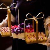 طفريات صواني تقديم للضيافة والتوزيعات