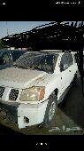 للبيع مكينةارمادا نظيف وعلي شرط2008