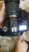 كاميرا نيكون d7100 مع عدسه اضافيه 50mm