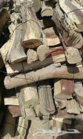 حطب ناشف وفحم طبيعي