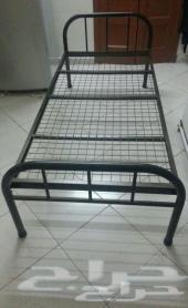 سرير حديد بحالة جيدةالعدد1600 للبيع في مكة