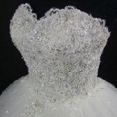 فساتين زفاف وسهره للبيع او الايجار في الرياض