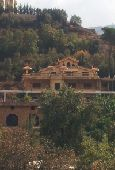 قصر العجاىب والتحف للبيع لبنان