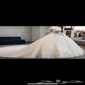فستان زواج كامل مع الطرحه والجيبون ومسكة ورد والاكسسوارات