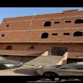 عماره حي الربوه تتكون من 12 شقه وردروم عظم