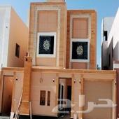 فيلا للبيع في حي العزيزية في الرياض