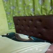 3 سرير للبيع مع ستارة ممتازة