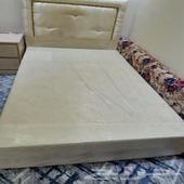 سرير للبيع جده