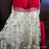 فستان سهرة لزواج اختي احمر على ذهبي فخم وملفت