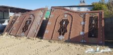 بوابة درفين 8 متر كل درف 4 متر