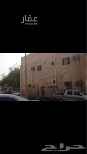 بيت شعبي على 3 شوارع دخله 5250 الف ريال
