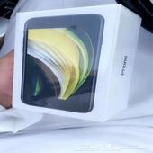 ايفون SE لون اسود ذاكرة 64 قيقا جديد بتغليف المصنع