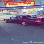 جده - السيارة  فورد - كراون