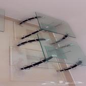طاولات زجاجية مع خشب متينة للبيع