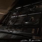 فرن الكهرباء.  مستعمل لمدة 3 سنوات.  ودولاب مطبخ. له 3 سنوا