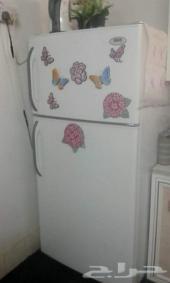 مكيف وثلاجة للبيع