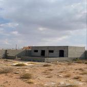 ارض محوشة ومبني بها مجلس في السيل الصغير - ذوي حجي