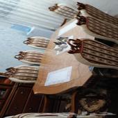 التفاصيل  يوجد غرفة جلوس للنساء فرشة مع جلسات