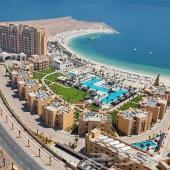 تملك شقتك أحلامك في الإمارات على البحر مباشرة