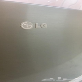 ثلاجة LG نظيفة