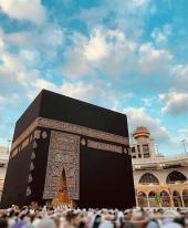 إمام مسجد أو مساعد الإمام للتراويح أو مؤذن