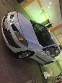 سيارة رنيو للبيع