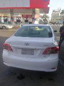 سيارة كورولا موديل 2013 للبيع