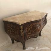 طاولة صناعة مصرية - وكنب نظيف