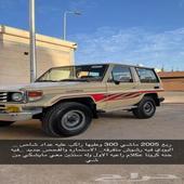 ربع 2005 للبيع ماشي 300 وعليها راكب عليه عداد شاص