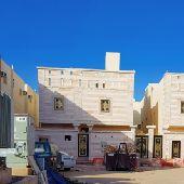 للبيع عمارة فاااخره مساحتها 377متر بالملك فهد