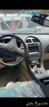 السيارة  لكزس - ES الموديل 2012