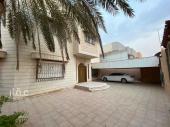 فيلا للبيع في حي الملك فيصل في الرياض