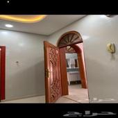 دور ثاني للايجار 4 غرف-الحوية