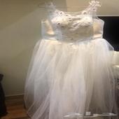 فستان ابيض
