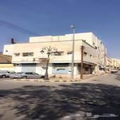 عمارة للبيع بحي العزيزية على ثلاث شوارع ( على شارع الخطوط)