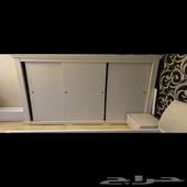 غرفة نوم للبيع بسعر 700قابل للتفاوض( سرير   دولاب   كومدينا