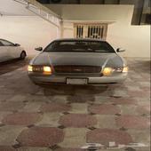 عنك - السيارة  فورد - كراون